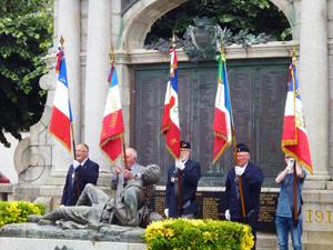 Lecture du message du Gouvernement par Mme Claire Masson, maire d'Auray ( 2)